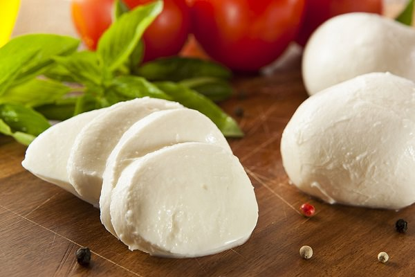 High Protein Foods: Mozzarella Cheese